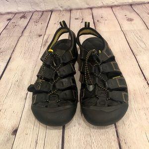 Keen Sandals - Size 6.5